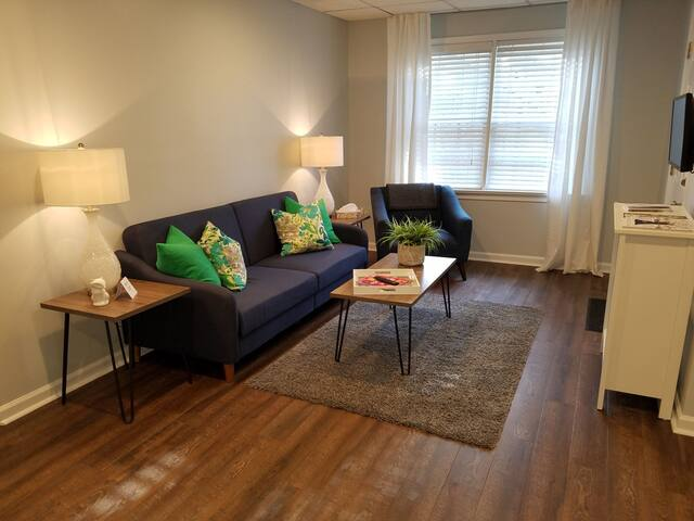 NEW! Chic Private Apartment (Peaceful Retreat)