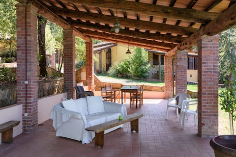 Feriehus på toskansk land med svømmebasseng