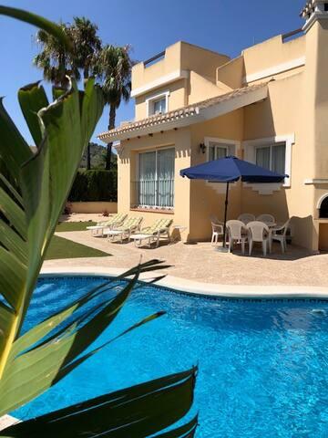 Beautiful Villa with Private Pool, Los Naranjos
