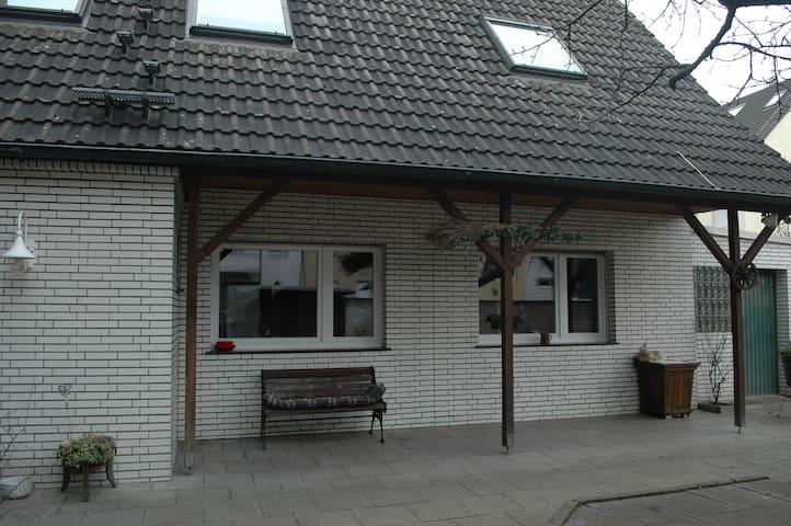 Gemütliches Haus mit Garten im Kölner Norden