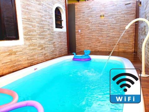 Wi-Fi e Aconchego a 700 metros da Praia!