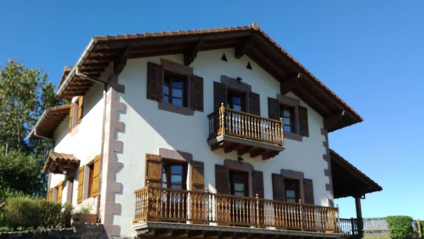 Casa Exkanda Etxea en Sunbilla