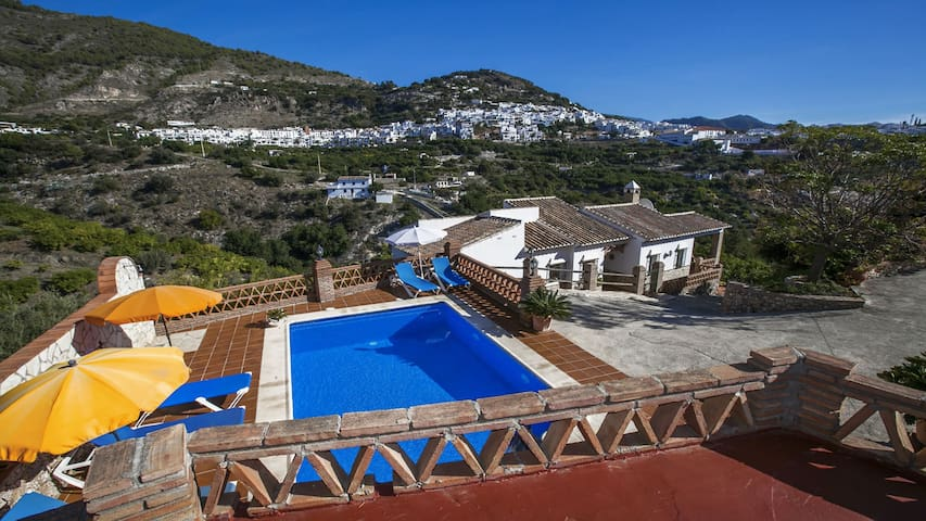 Villa Franciscon in Frigiliana. Private pool, Wifi