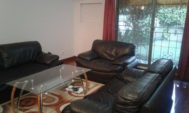 House Ideal for Expats & International Travelers!