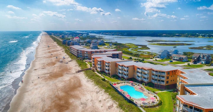 Truly Anchored OCEAN FRONT condo