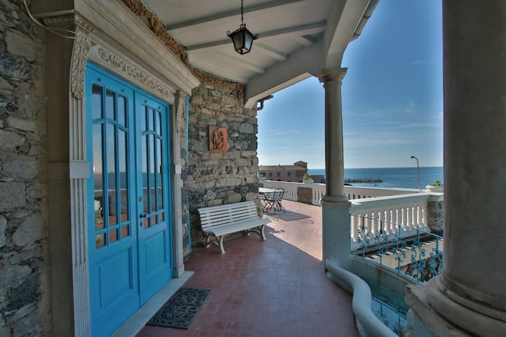 Blue luxury Villa in front of the sea - Levanto - Villa