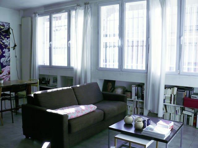 Appartement esprit atelier d 39 artiste sur jardin appartements louer - Atelier d artiste a louer ...