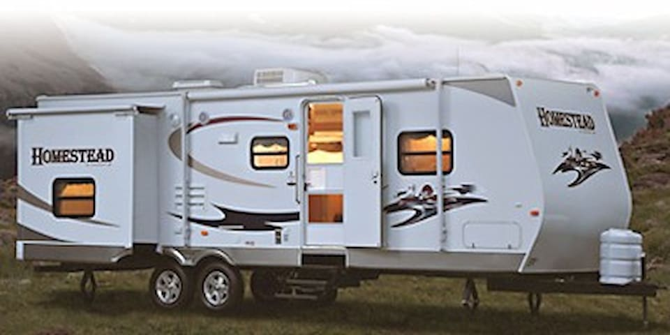 2007 29' Travel Trailer in Great Condition