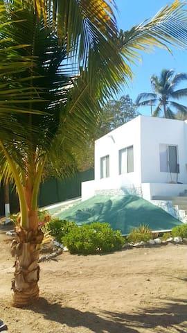 **Casa Miramar 1** ( A 45 Metros de la Playa)