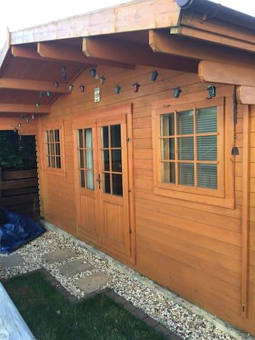 Cosy cabin @ number 37 in Pembrokeshore