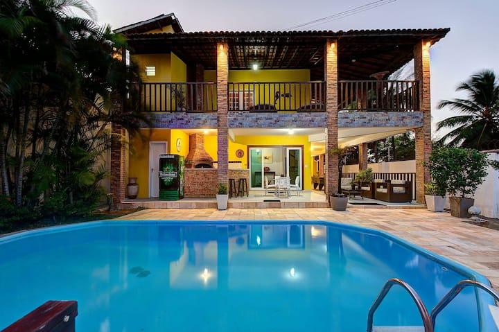 Large house with pool in Porto das Dunas by Carpediem