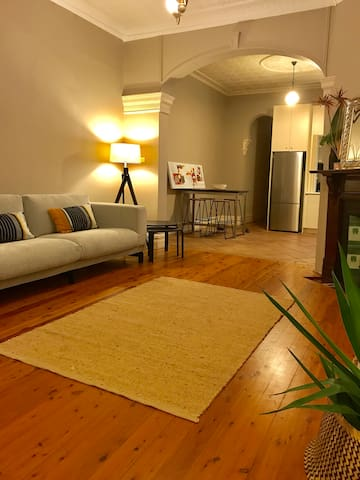 Trendy Apartment In The Heart Of North Sydney