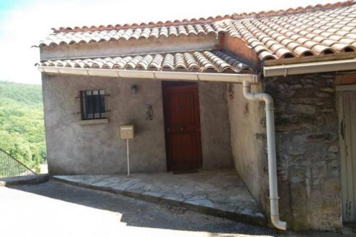 Gîte rural sud de la France. Cottage.