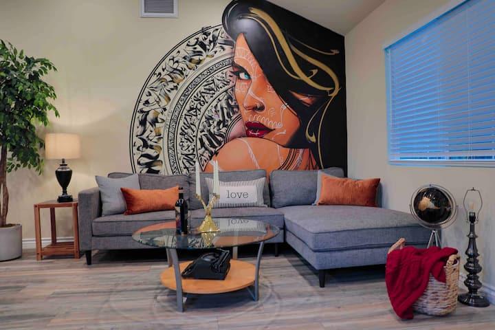 """BRAND NEW"" - ARTSY Hideout near Hollywood"