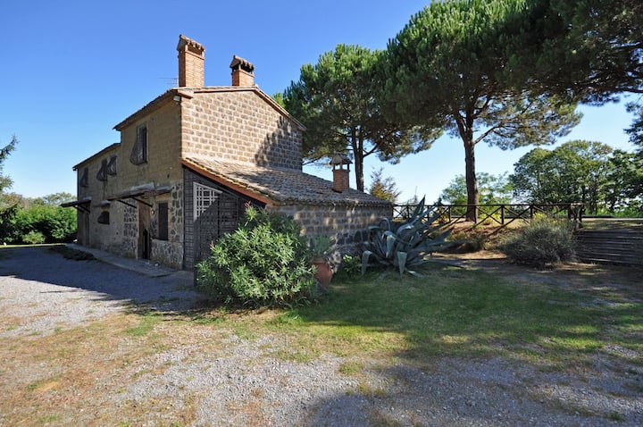 Ginestrella - Country Villa with swimming pool in Umbria