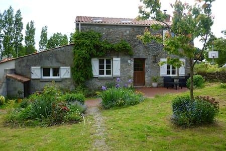 Chambre dans maison typique du Pays de Retz - Saint-Viaud