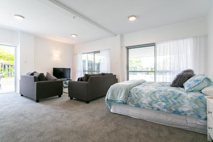 Brand new in very handy Ellerslie!