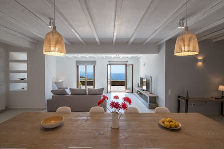 Stonehouse Sea View Villa in Tinos - Kardiani