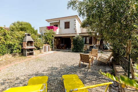 Big private garden, just 5 minutes from the sea