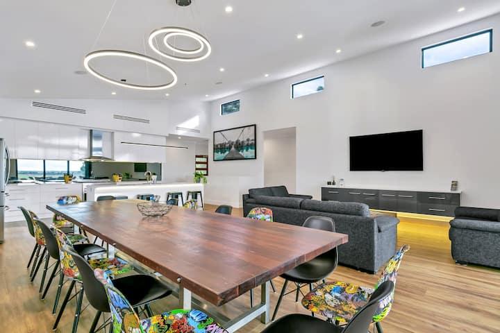 """""""Platinum on Washpool"""" Luxury Riverfront Property"""