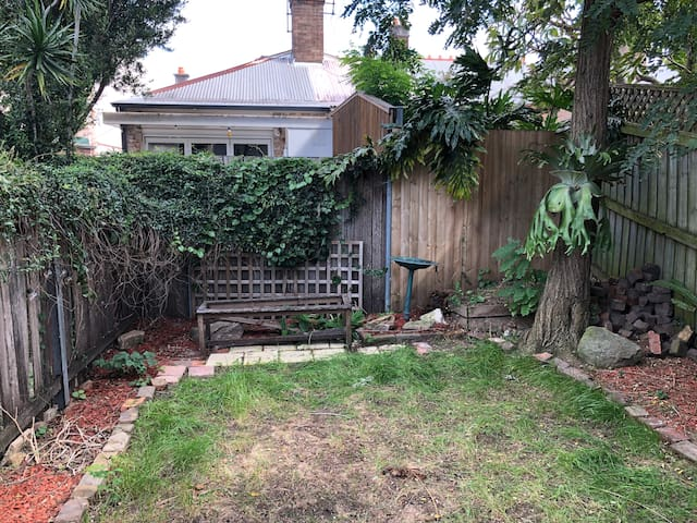 Enmore townhouse with garden