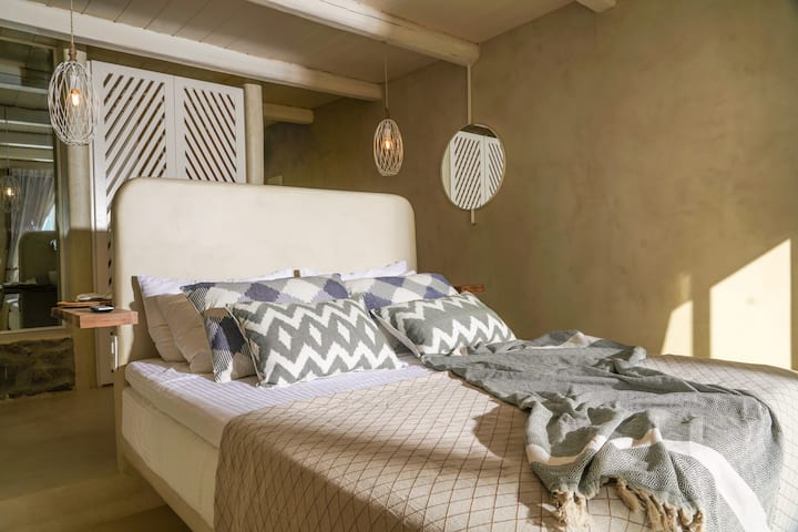 SELENE Sea View Sunset Suite [Mykonos High]