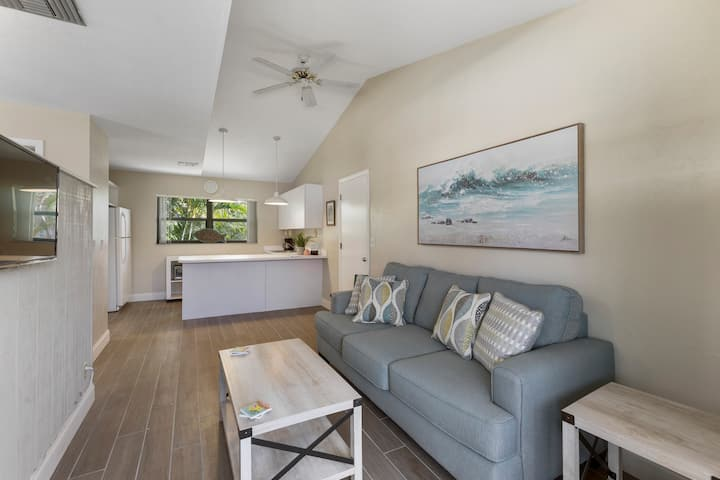 Fort Myers Beach Retreat - Palm Terrace 3B