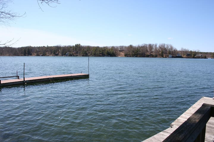 3 BED ROOM COTTAGE ON THE LAKE OF THE ISLES