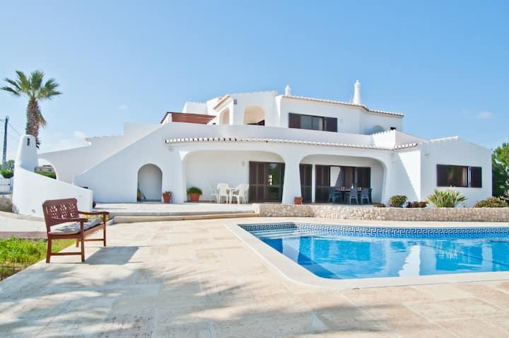 Casa das Areias, Holiday villa Porches, Algarve