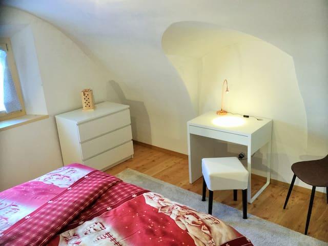 """EngadinHolidays - Room """"Marmotta""""+ eat-in kitchen"""
