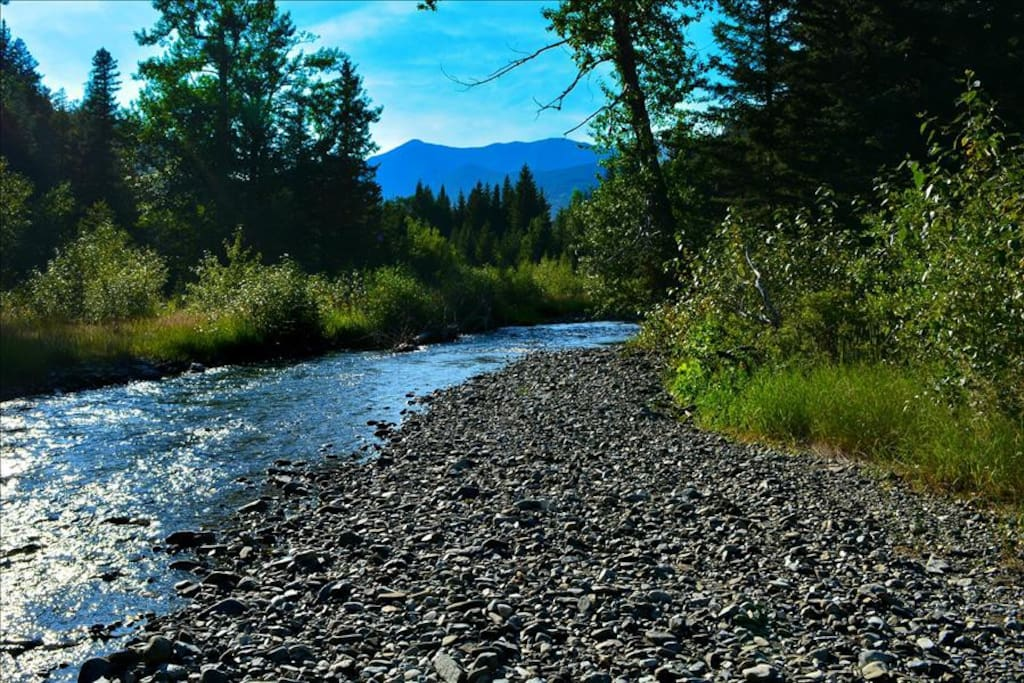 1.5 Miles of Private Trout Stream Access!