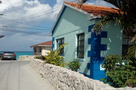 Cottage on Radio Beach - Best location in Bimini!