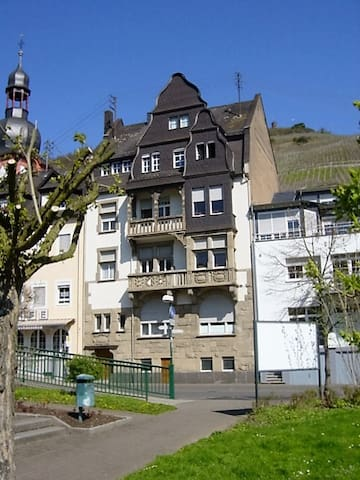 76 sqm apartment in the center - Zell (Mosel) - Huoneisto