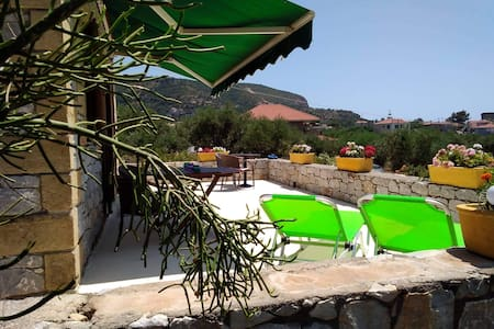 Secluded villa Ag.Nikolaos free bikes & kayaks