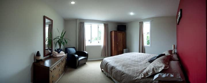 Springfield Lodge - Queen Room