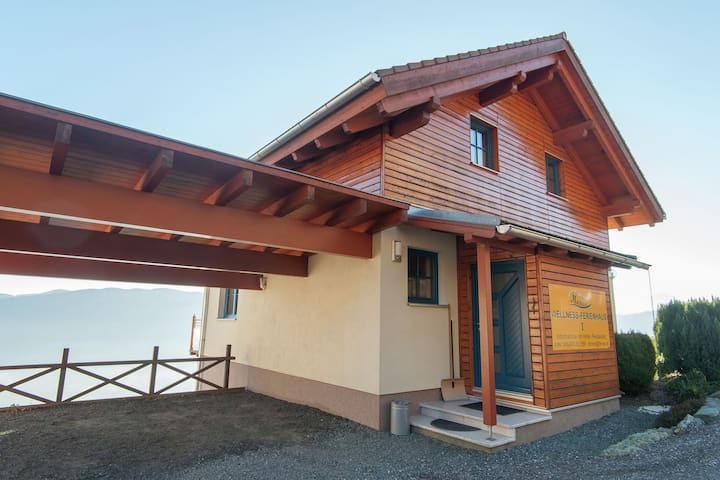 Upscale Holiday Home in Bodensdorf with Whirlpool & Sauna
