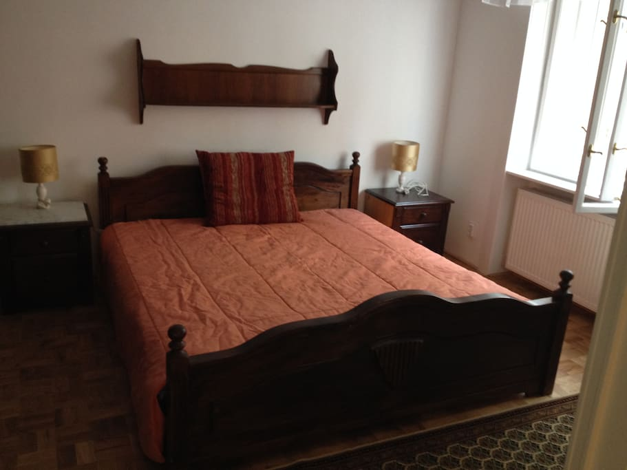 Room 1 (with double bed)