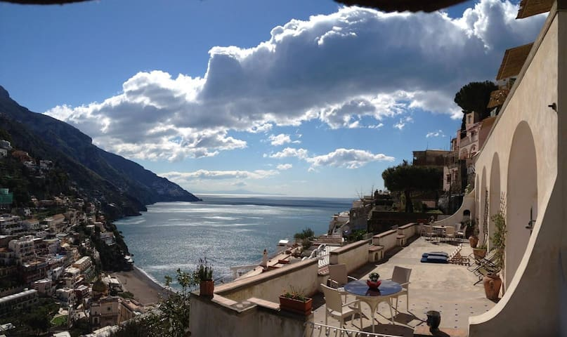 Elegant Villa with a view  8-10 pax