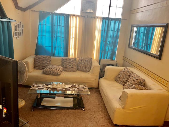 Cozy Home for Family & Group Staycation @Antipolo