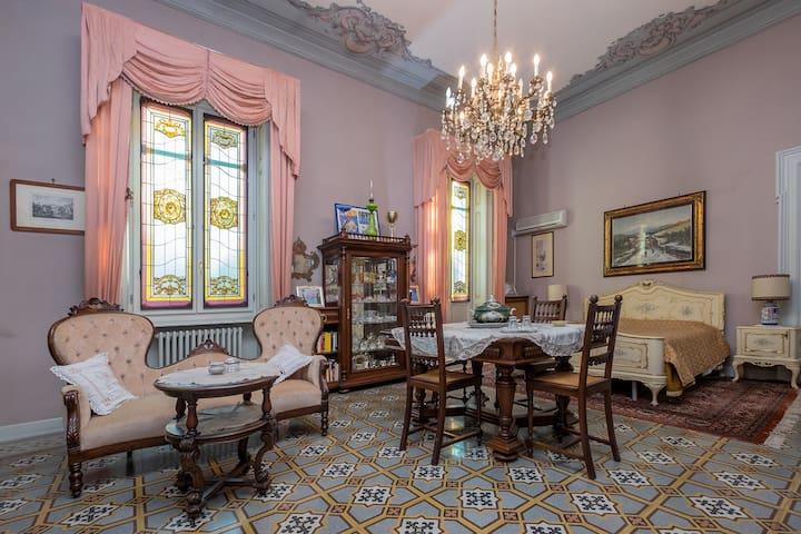 Casa di nonna: un fantastico nido in centro città! - Vercelli