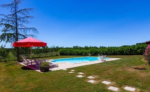 Fabulous gite with private pool - Southwest France