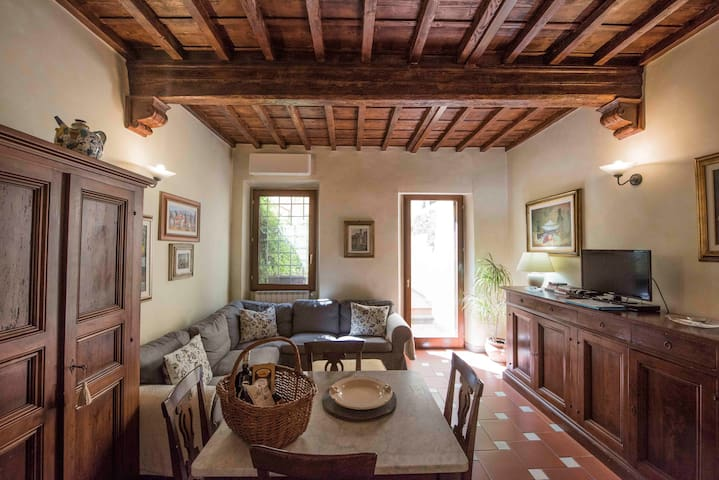 Charming apartment at 100m to Porta San Frediano