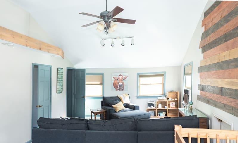 Two Bedroom Suite at JuneBug Lodge