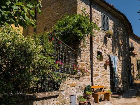 Kamienny domek na wsi toskańskiej