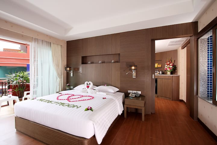 Junior Suite, King Size with Breakfast) - Patong - Flat