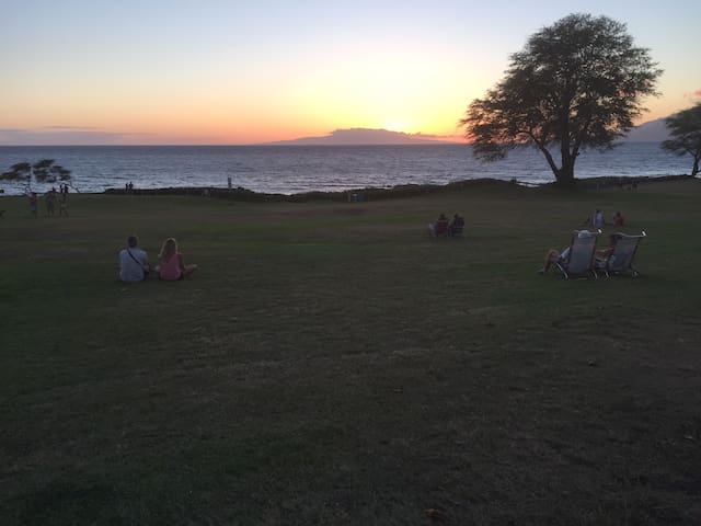 Sunset on Hale Kamaole Beach Park III