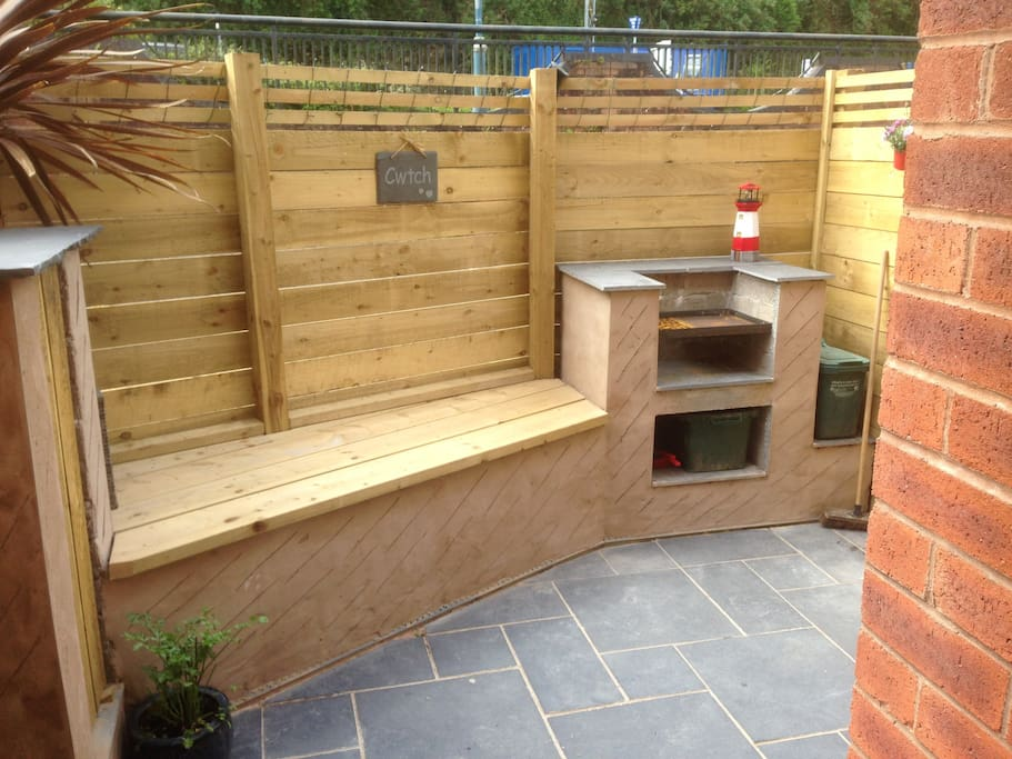 Enclosed garden with BBQ