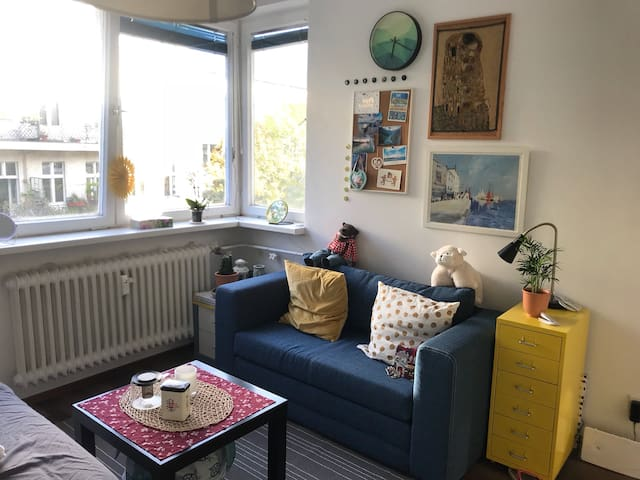 Cozy Apartment in heart of Schoneberg- Room B