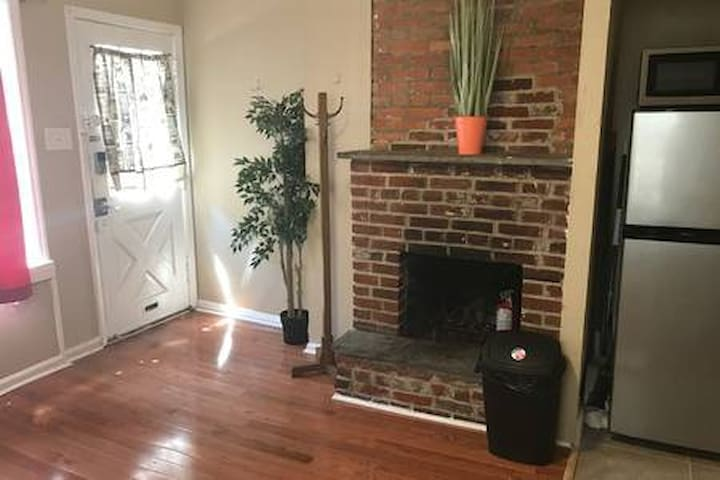 Cozy One Bedroom Best Location - Heart Of Philly