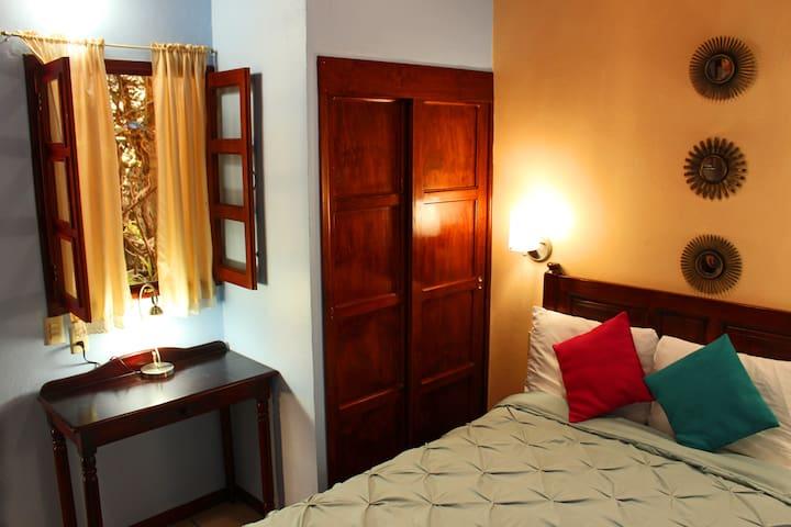 Cómoda y céntrica habitación privada.